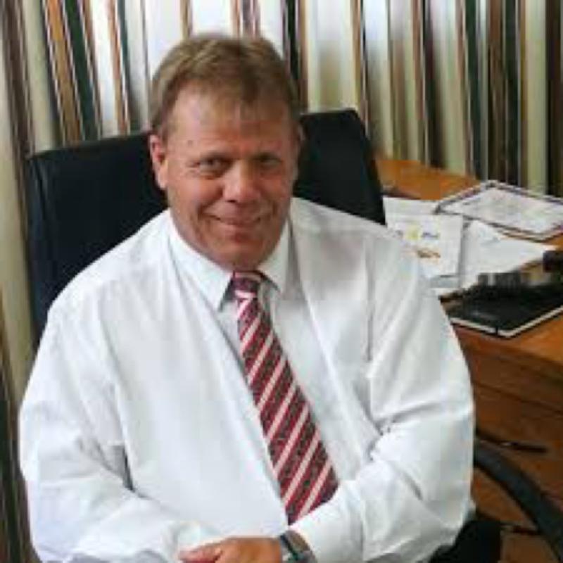 Dr Peter Manser